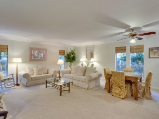 18-sandpiper-st-hilton-head-mls_size-012-27-living-room-2048x1536-72dpi